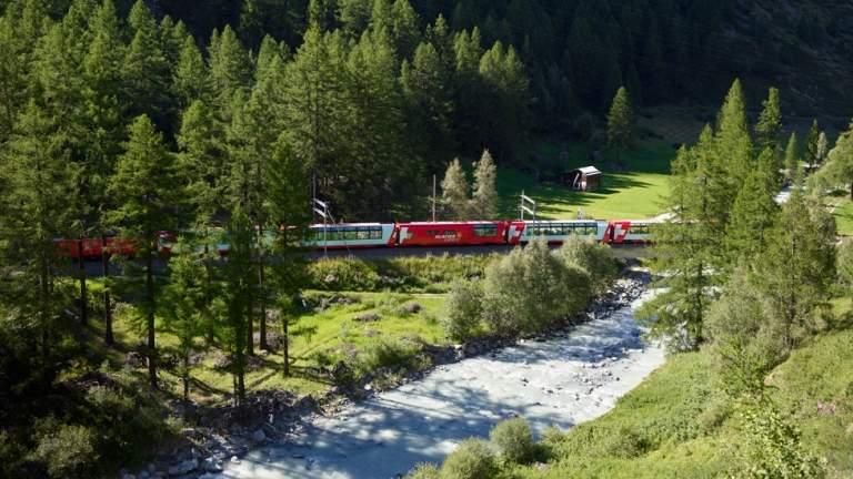 Glacier Express im Mattertal