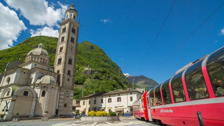 Der Bernina Express in Tirano