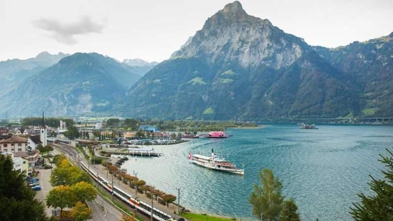 Das Dampfschiff in Luzern ist für die Abfahrt bereit