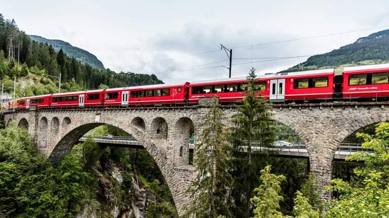 Auf der 8. tägigen Grand Train Tour of Switzerland erleben Sie die Kulturen Schätze und entdecken die Schweiz