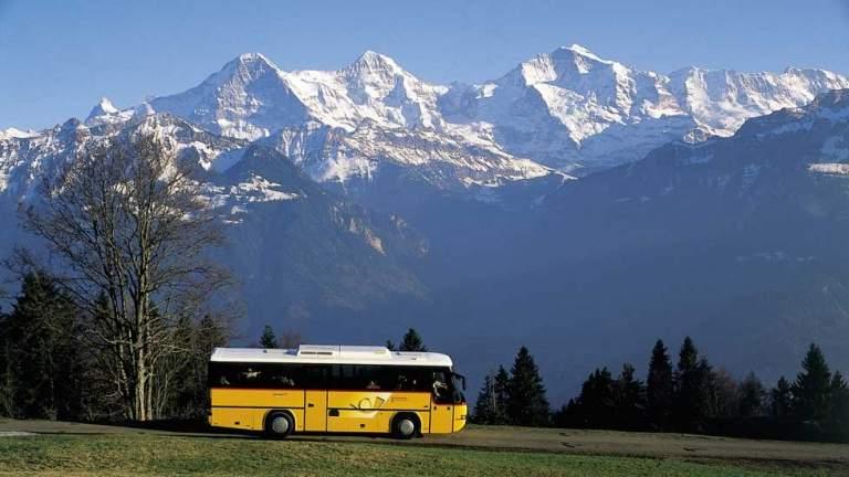 Im Palm Express von St. Moritz nach Lugano im Sommer