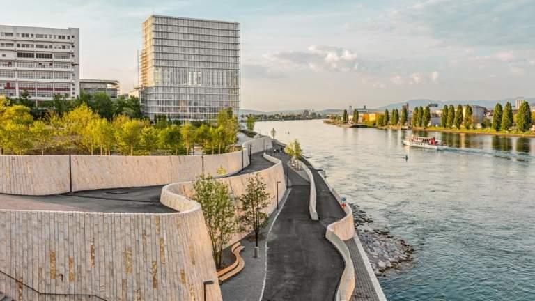 Basel mit Blick von der Dreirosenbruecke