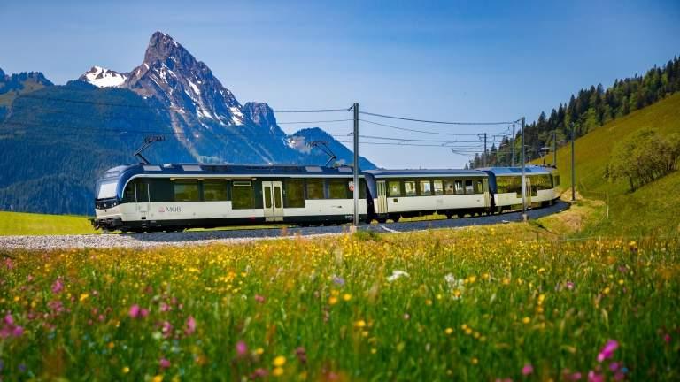 Mit der Goldenpass Line durch die Berge