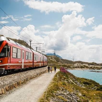 Der Bernina Express Lago Bianco
